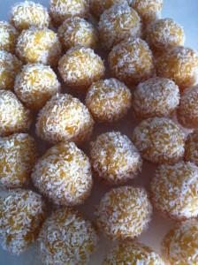 Abrikos:kokos kugler